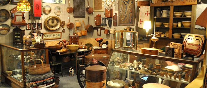 antiques-booth-1