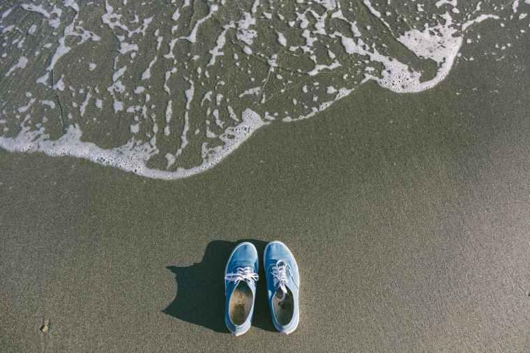 beach blue colors daytime