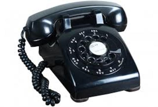 AlexisHowes_EvolutionPoster_TelephonePicture4