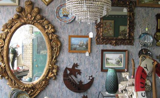 Decorate-with-used-furniture